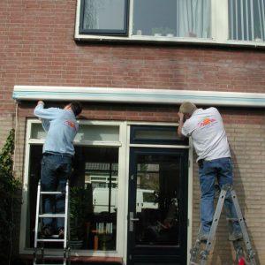 De montage van uw kwaliteit zonnescherm voor uw tuin terras of winkel vraag advies aan protectsun.nl