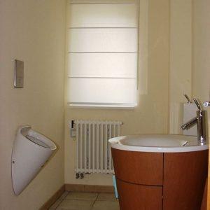 Ook op het toilet Japanse rolgordijnen van Wood en Washi vraag het aan Protectsun.nl in Amsterdam