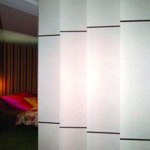 Verticale panels van wood en washi bij Protectsun.nl in Amsterdam
