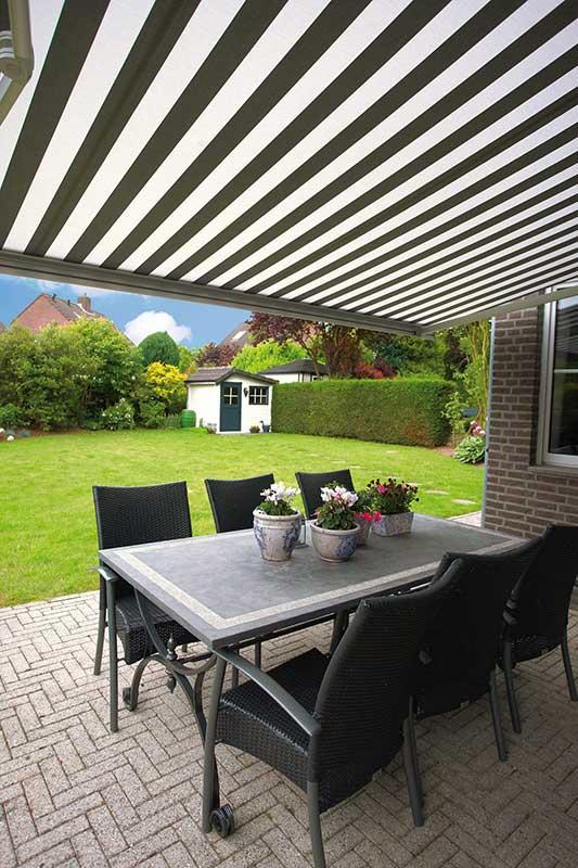 prachtig zonnescherm voor uw tuin terras vraag advies aan protectsun.nl